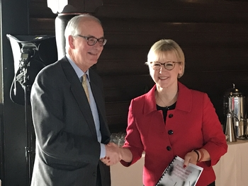 Inge Lorange Backer og Margot Wallström
